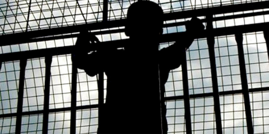 9 yılda 808  çocuk suça  itildi