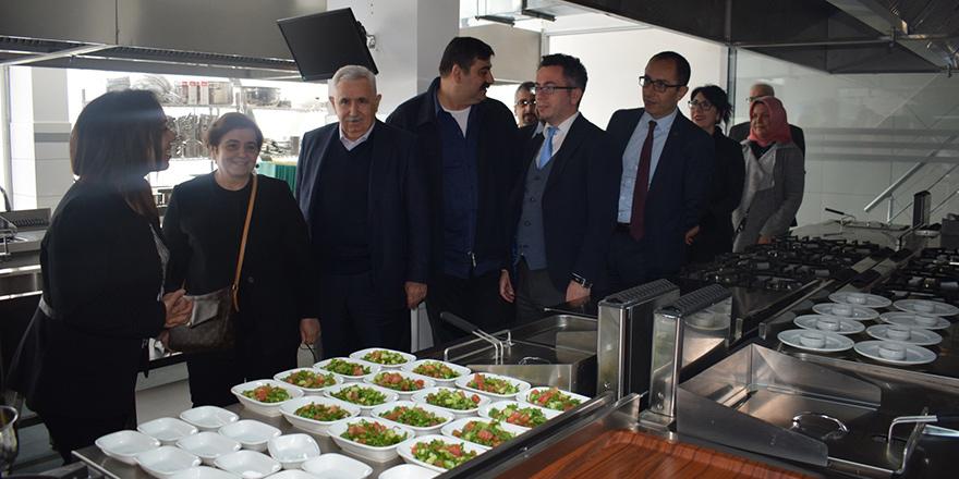UFÜ Gastronomi Uygulama Mutfağı açıldı