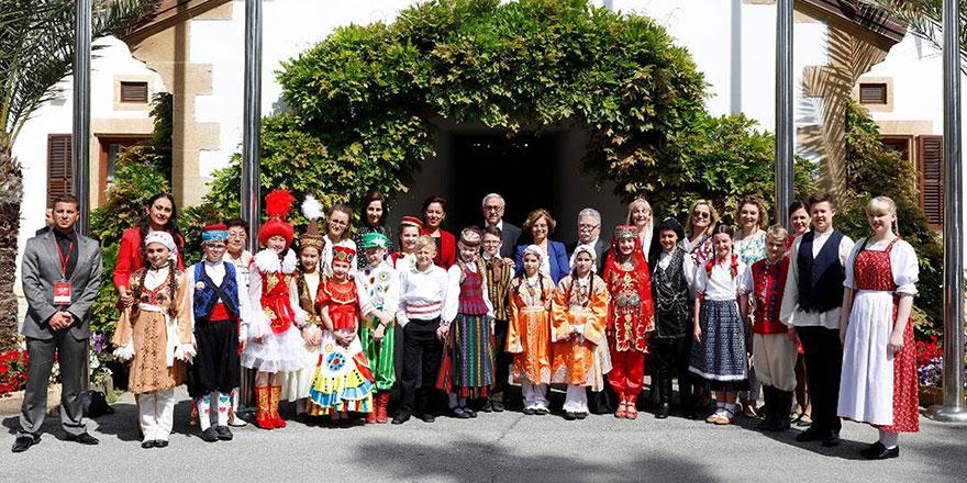 Cumhurbaşkanı Akıncı Saray'da çocukları ağırladı