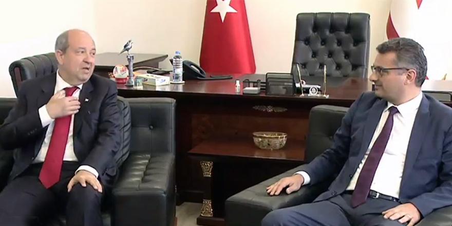 Erhürman görevi Tatar'a devretti