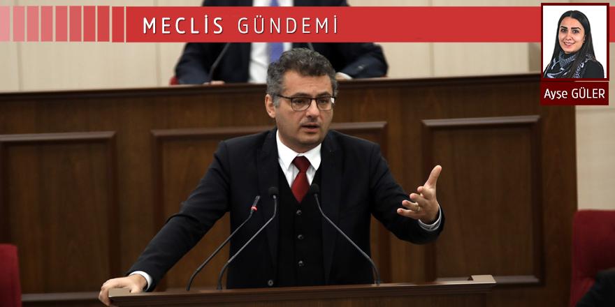 Erhürman: Hukuku zorlayan adımlar