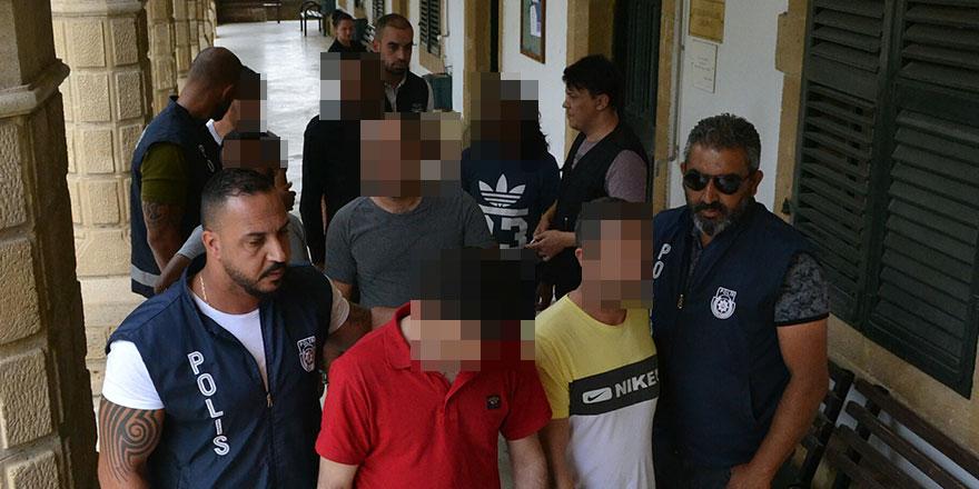 Tutuklanarak mahkemeye çıkarıldılar