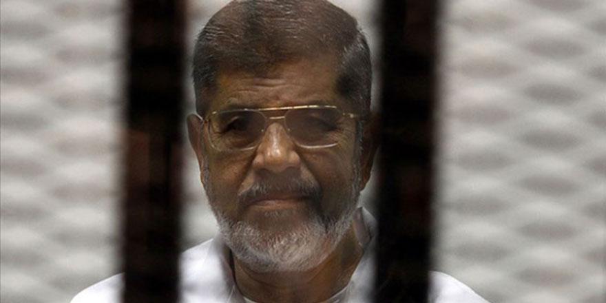 Mısır'ın eski Cumhurbaşkanı mahkemede öldü