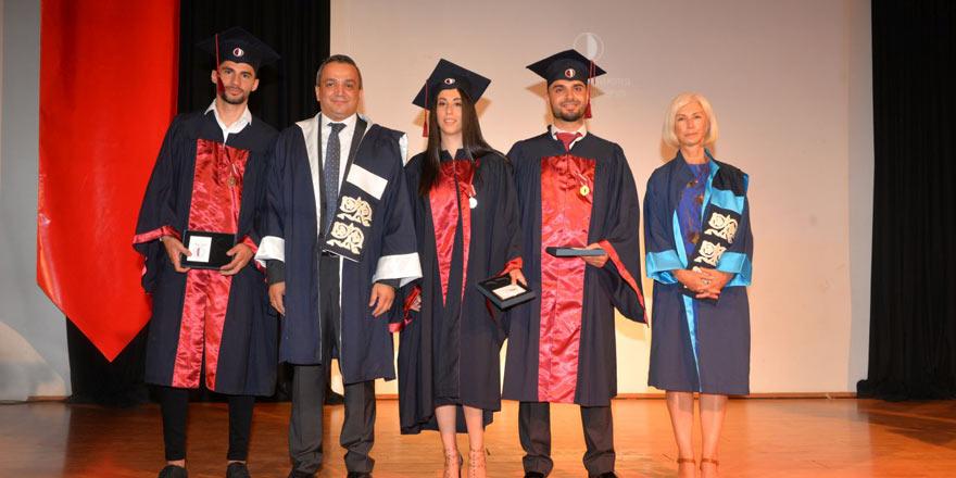 YDÜ Spor Bilimleri 79 mezun verdi