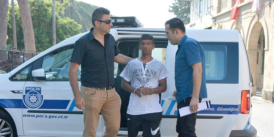 Ülkesine dönebilmek için polise gitti, tutuklandı