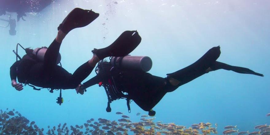 16 engelli, 5 metre derinliğine daldı