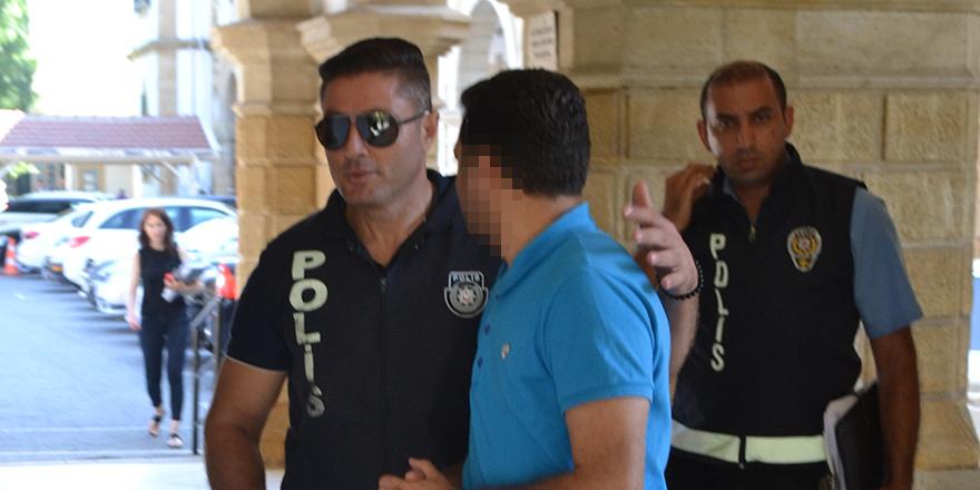 'Emanet aracı sahte evrakla satan' zanlı, 1 ay hükümsüz tutuklu