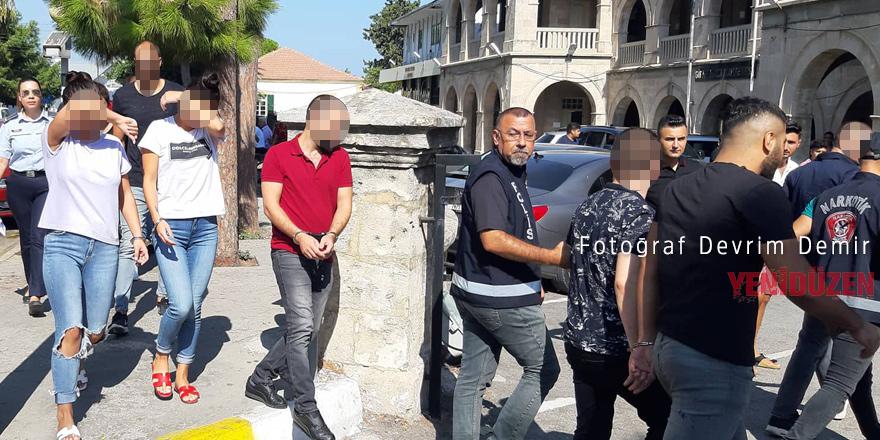 10 tutuklu, 1 kişi serbest