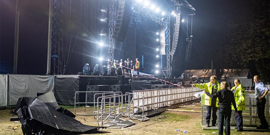 Konserde sahne çöktü, 28 yaralı