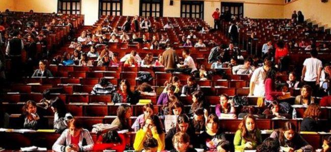 Üniversiteliler burs isyanlarında