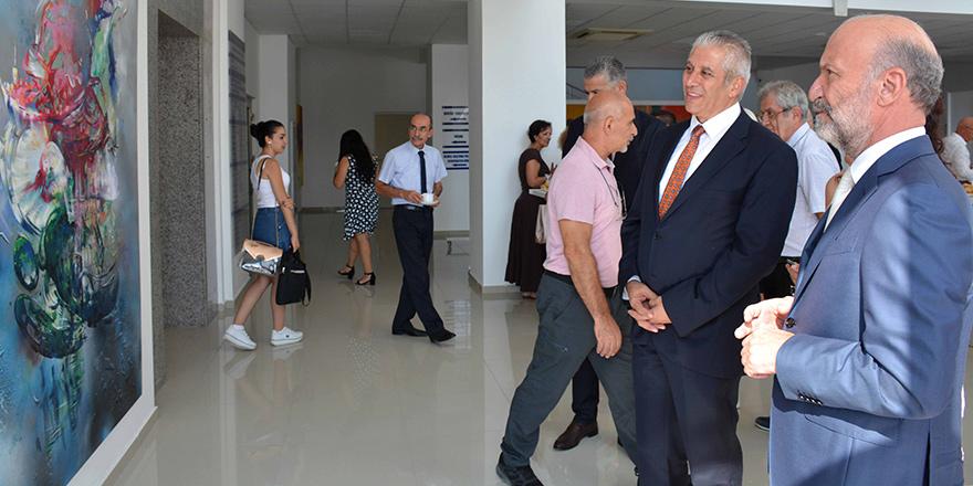 """YDÜ'de """"Türkiye Sanatçıları Sergisi"""" açıldı"""