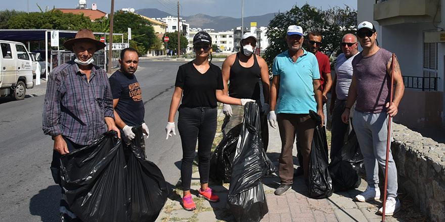 Belediye çalışanları Lefkoşa'da temizlik başlattı