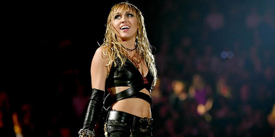 Çok Güzel Bir Ses, Miley Ray Cyrus