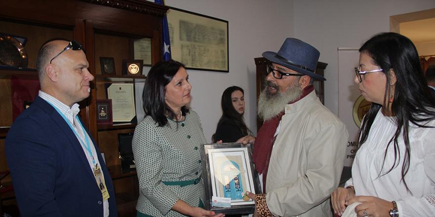 Karikatüristlerin eserleri Kosova'da sergilendi