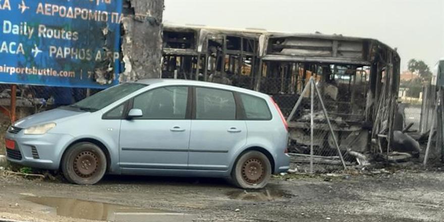 Larnaka'da otobüsler kundaklandı