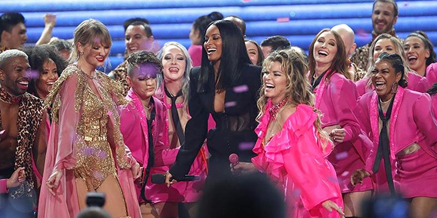2019 Amerikan Müzik Ödülleri Sahiplerinin Oldu