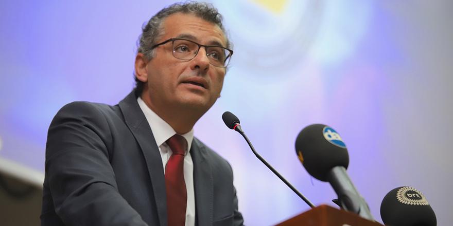 Erhürman, GAÜ'de konferans verecek