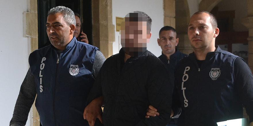 """Polis: """"Zanlı 'Kuyumcu dükkânının anahtarını vermezsen seni öldürürüz' dedi"""""""
