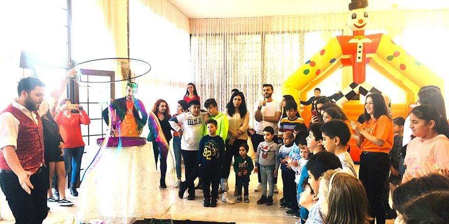 Kemal Saraçoğlu Vakfı yılbaşı yemeğinde gönüllerince coştular