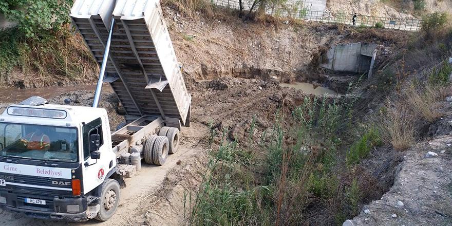 Girne'de su taşkınlarına karşı çalışmalar sürüyor