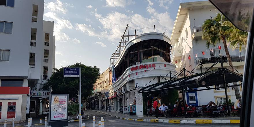 Girne'de izinsiz yapılar kaldırıldı