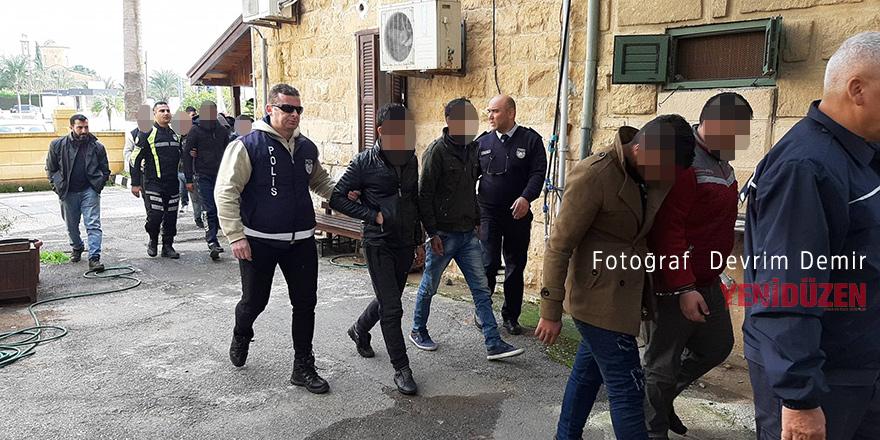 Mülteciler Türkiye'ye gönderildi