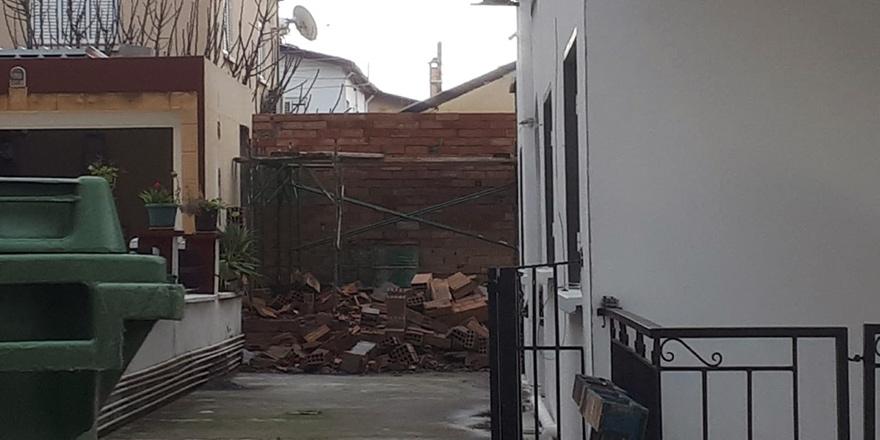 Gönyeli'de kaçak yapı yıkıldı