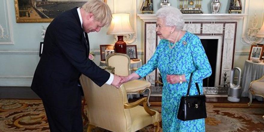 Kraliçe 2. Elizabeth, Brexit yasasına onay verdi