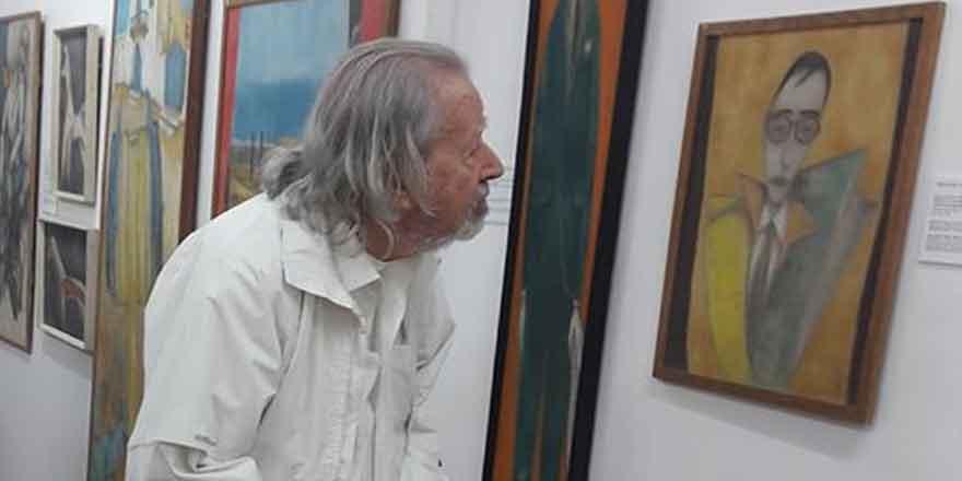 Yıllardan sonra kendi portresine bakabildi