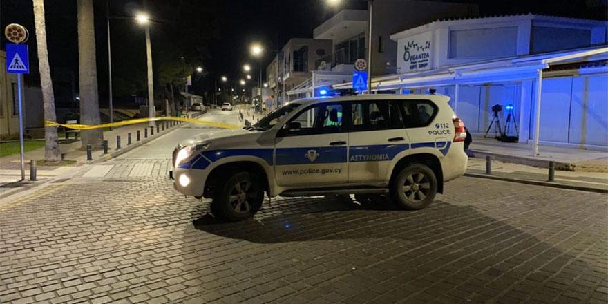 Aya Napa'da 'hesaplaşma' 25 el ateş