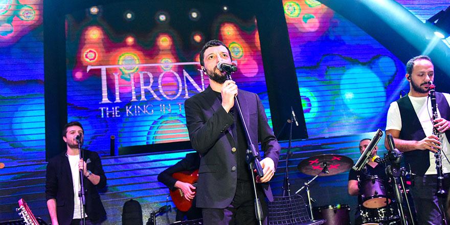 Mehmet Erdem aşk şarkılarını Mağusa'da söyledi