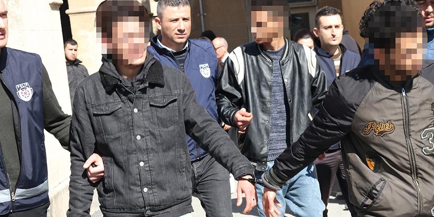 Zanlılardan biri tutuklu, ikisi tutuksuz yargılanacak
