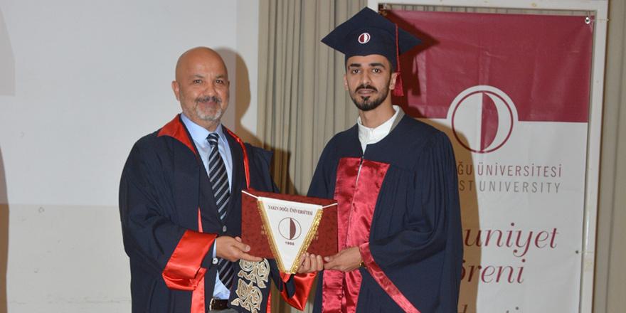 YDÜ Eczacılık Fakültesi, yeni mezunlarını verdi