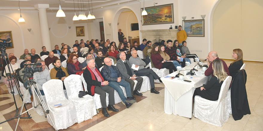 'Kıbrıs'ta 'yurttaşlar topluluğu' mümkün'