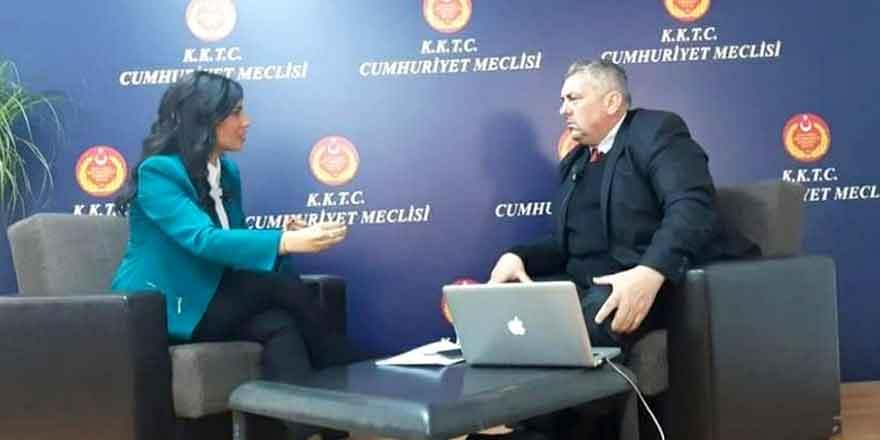 """Özdenefe: """"Akıncı da Tatar da Erhürman karşısında dezavantajlı"""""""