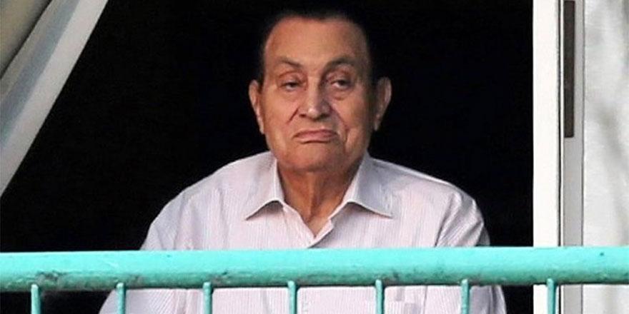 Hüsnü Mübarek 92 yaşında veda etti