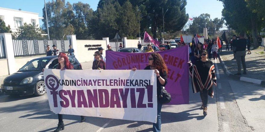 """""""Eşitliğe Aç Sömürüye Tokuz"""""""