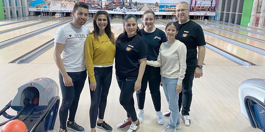 Credıtwest çalışanlarının bowling keyfi
