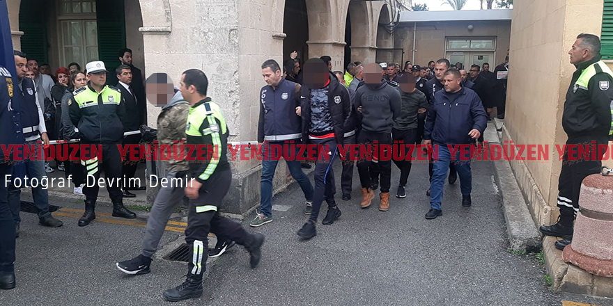 Spor değil 'arbede' alanı  Polisin burnu kırıldı