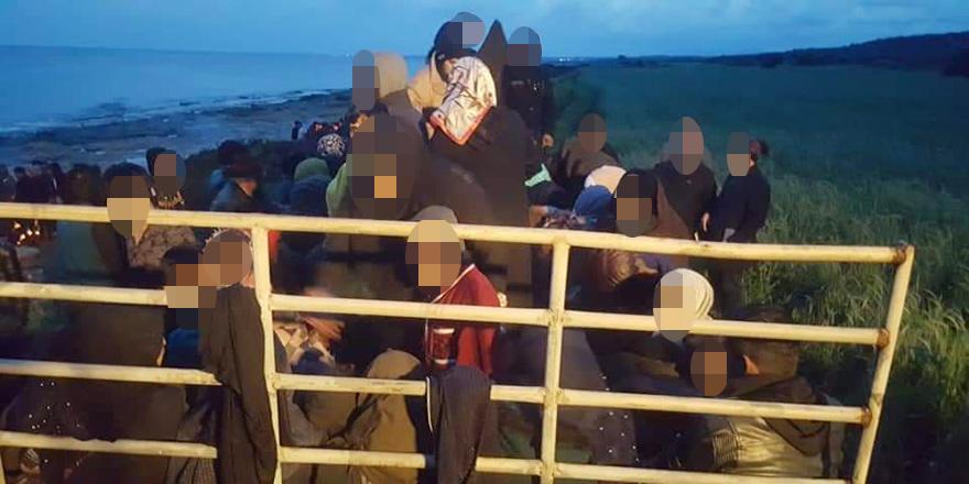 Tekne yan yattı: 175 Suriyeli İskele'de