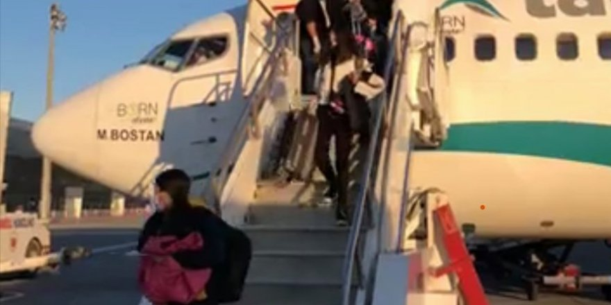 Bir uçak daha Ercan'a indi