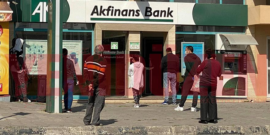 Bankalarda yine yoğunluk