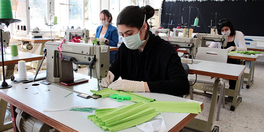 Meslek liseleri maske üretiyor