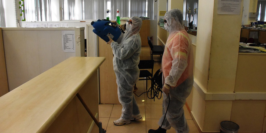 Girne'de dezenfeksiyon çalışmaları sürüyor