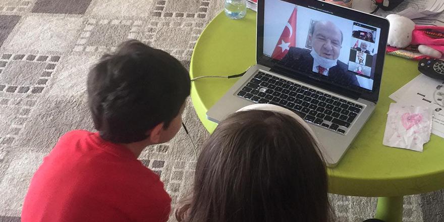 Tatar, çocuklarla sosyal medyada bir araya geldi