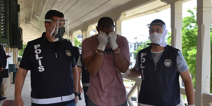 Uyuşturucu ithaline 3 yıl hapislik