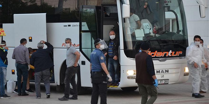 288 kişi Türkiye'ye gönderildi