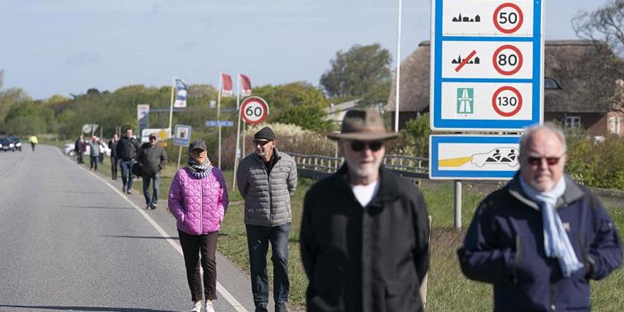 Danimarka'dan aşk mektubu gösterenlere sınırı geçme izni
