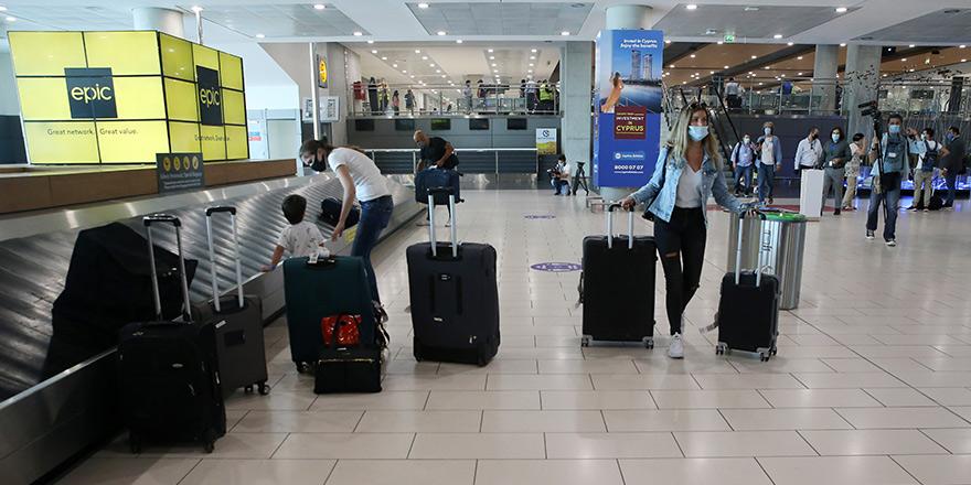 Kıbrıs'ın güneyine seyahat edecekler için  'uçuş kartı' zorunluluğu