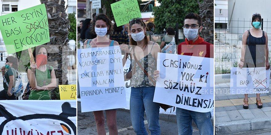 HÜKÜMETİN SAĞLIK POLİTİKALARI PROTESTO EDİLDİ